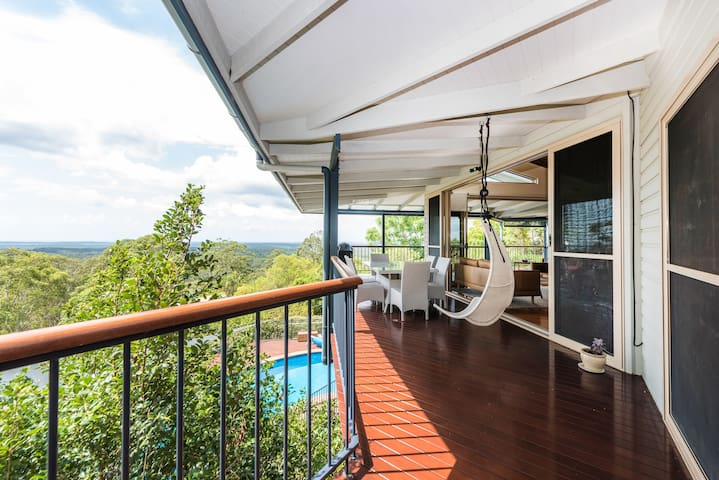 Treetops Noosa, Stunning Views and Pool - Tinbeerwah - Hus