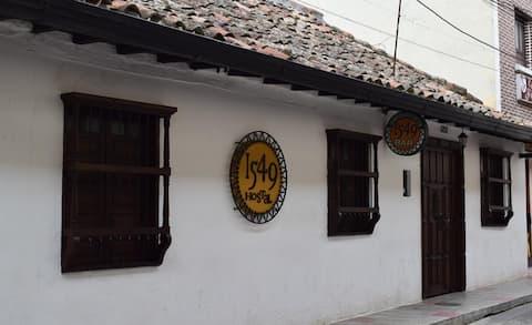Hotel 1549