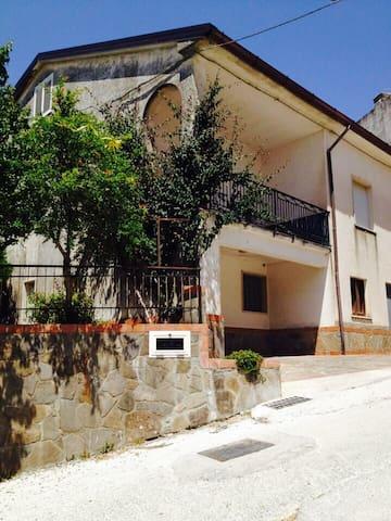 Villa dei campi-Cilento - Perito - Villa