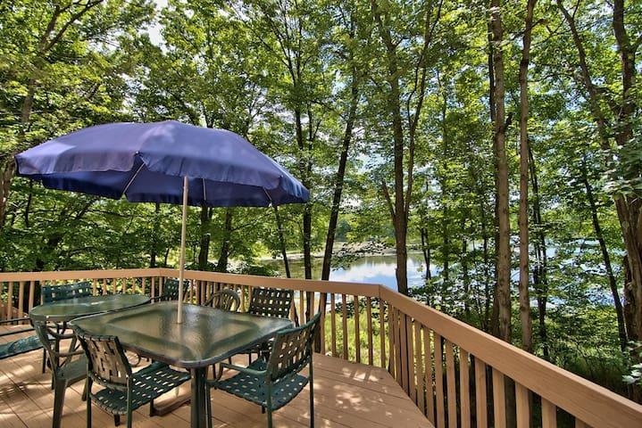 The Lake at Birch Point (Big Bass Lake) - Gouldsboro - 一軒家