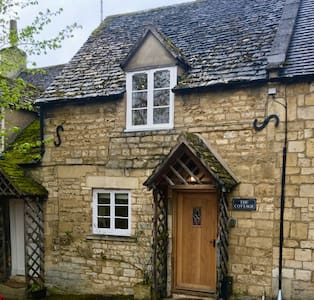 The Cottage - Winchcombe