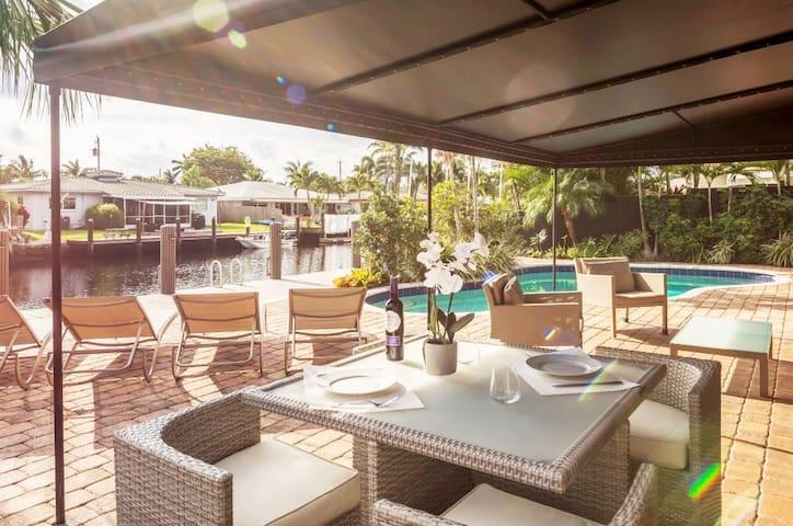 La Maison du Soleil - The Waterfront Oasis