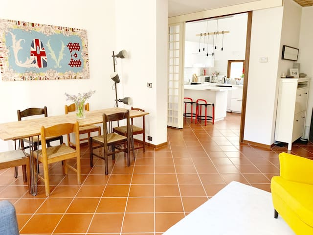open-plan living/dining room