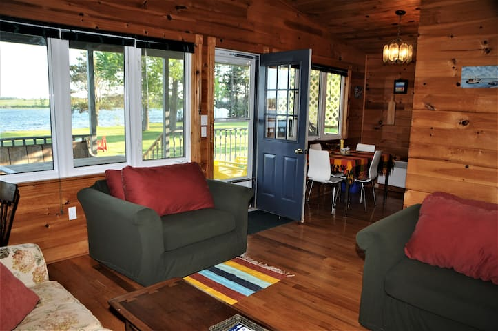 Place to Harbour Waterfront Cottage