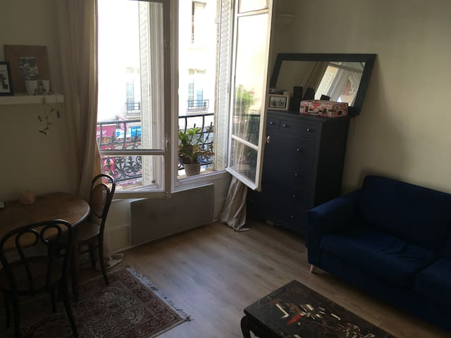 Appartement spacieux au pied de Montmartre