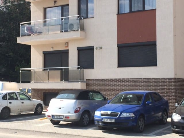 Modern apartment in a good area - Bukarest