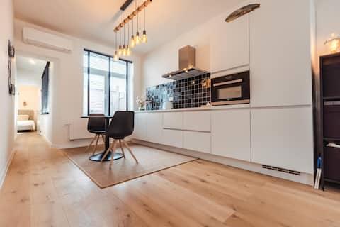 """Cozy apartment on the vibrant """"Zuid"""" (Antw)"""