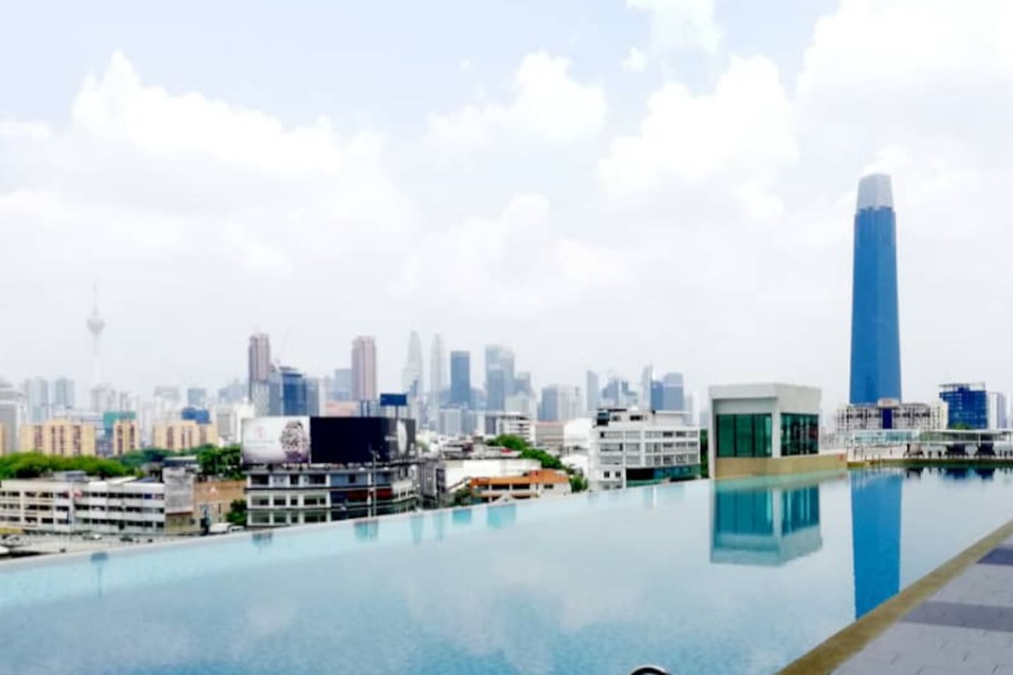 Infinity Pool & Gym Room with 4 perfect view~ KL tower, KLCC, TRX & Pavilion KL