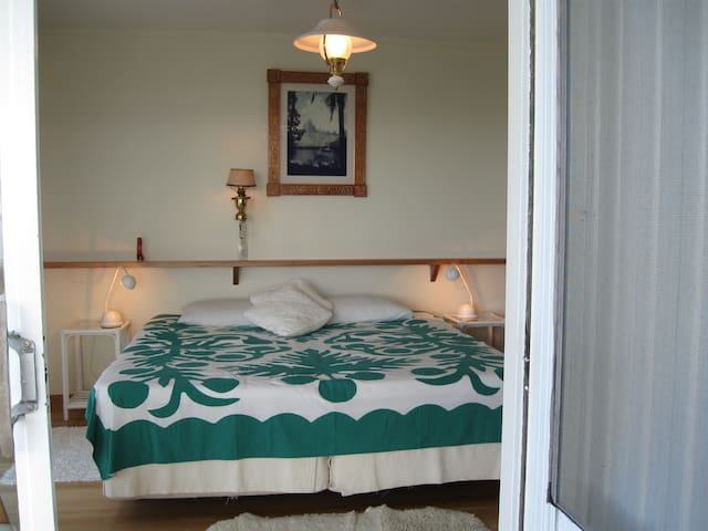 Room Huahine with Super Kings-size bed