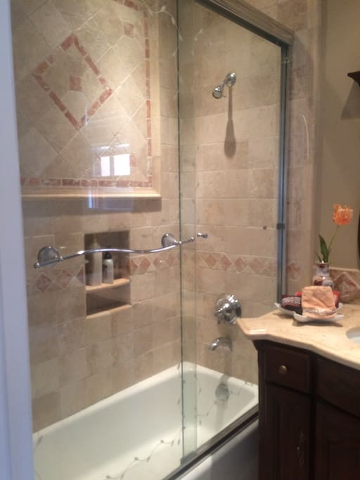 ensuite modern bath