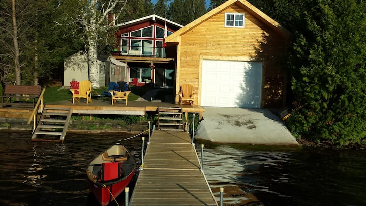 New waterfront cottage, 4 cars, min rent one week
