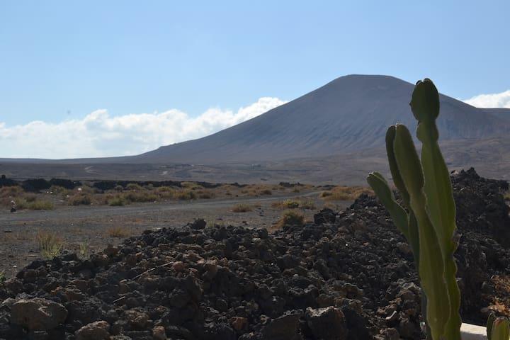 Volcan vu des Salines