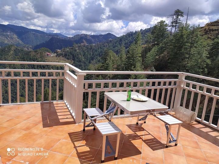 Jujurana House Stunning views tastefully done 5BHK