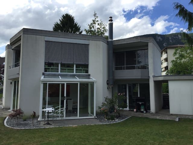 House with garden and free parking - Rüttenen - Casa