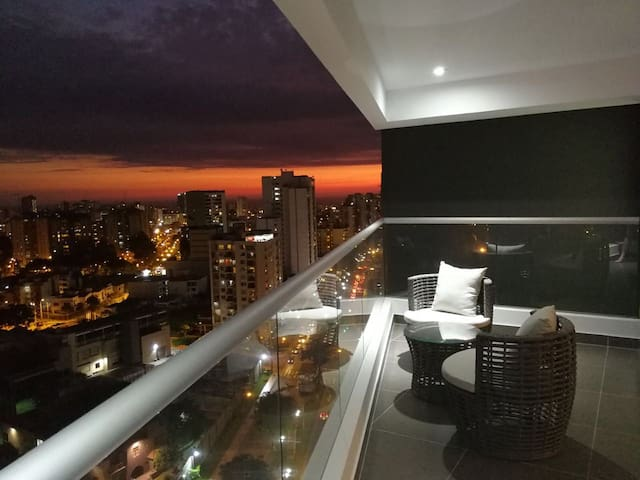 New hIgh standing flat close to San Isidro