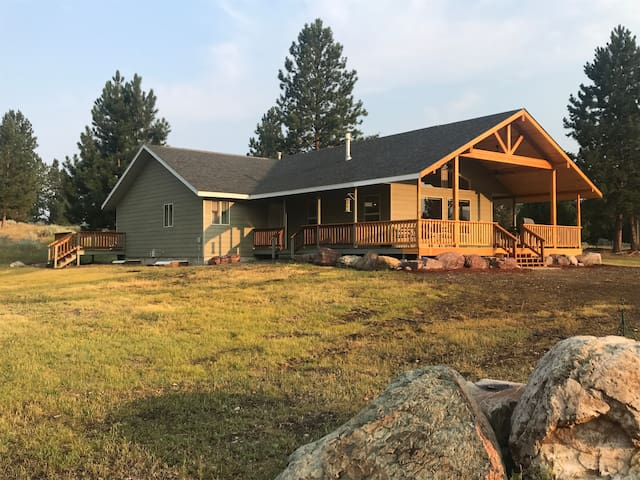 Fly fishing 5 acre Montana Retreat