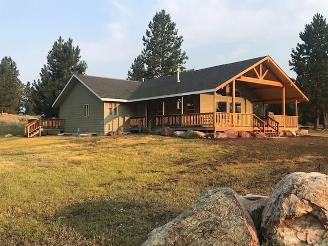 Fly fishing 5 acre Montana Retreat