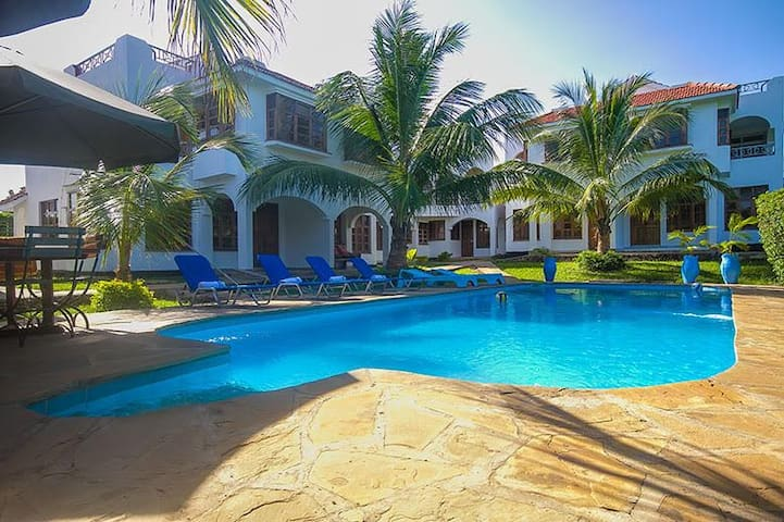 DIANI BREEZE VILLA  6 - Diani Beach