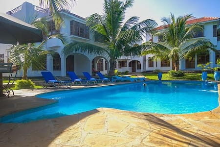 DIANI BREEZE VILLA  6 - Diani Beach - Villa