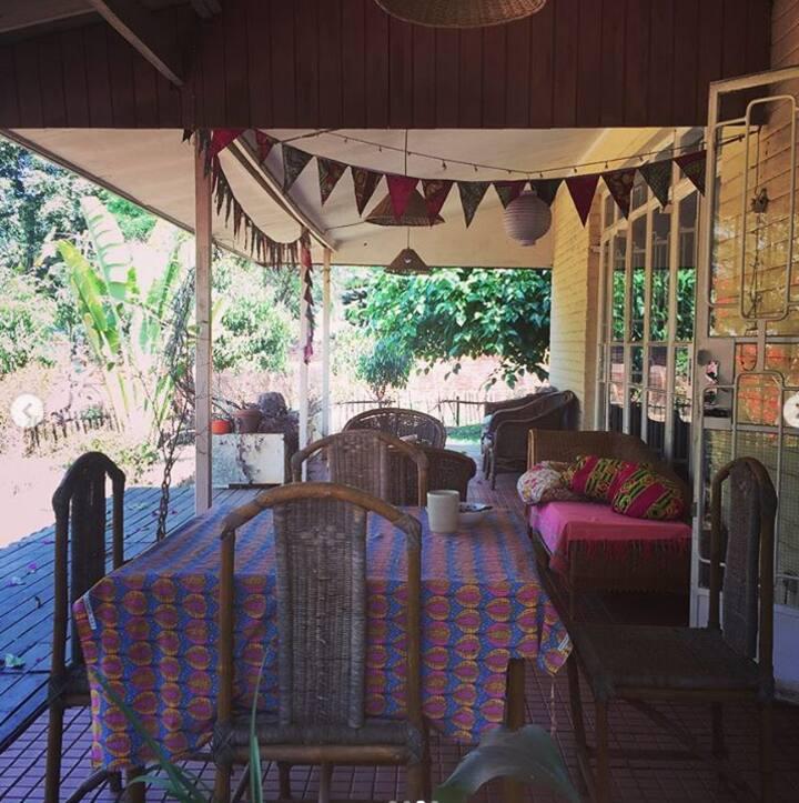 Peaceful Bungalow Area 12