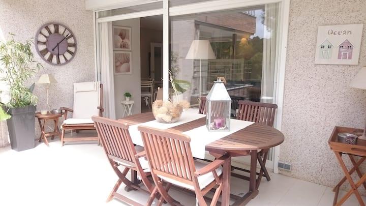 Gregal: Fabuloso apartamento con terraza y piscina