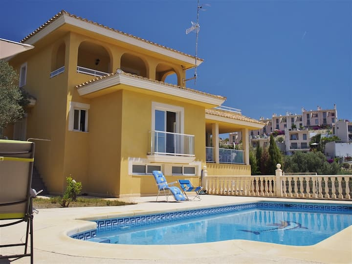 Villa with Pool Located almost on the Beach