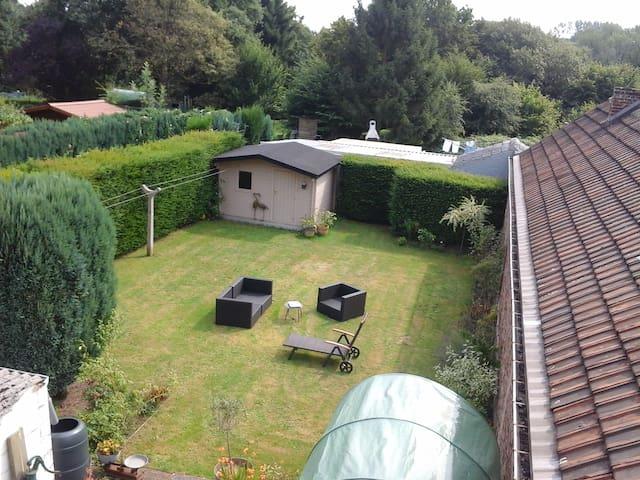 Chambre confortable et privée chez l'habitant - Charleroi - Haus