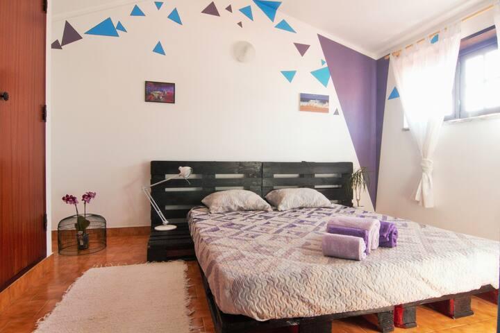 Santa Cruz Beach rooms (lovers triangle)