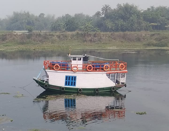 Bengal House Boat