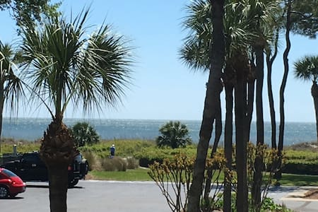 Two Bedroom Oceanview Villa, Free Bikes/Chairs/Gym - Hilton Head Island