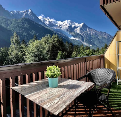 Private studio with panoramic view of Mont Blanc