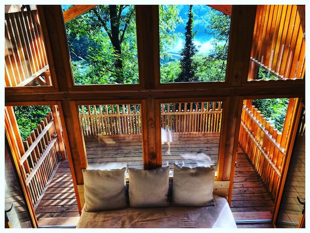 LYON COUNTRY HOUSE , THE RIVER SAONE TREEHOUSE