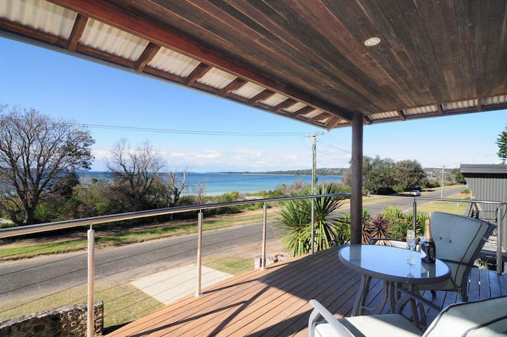 Oasis on the Beach :: Jervis Bay Rentals
