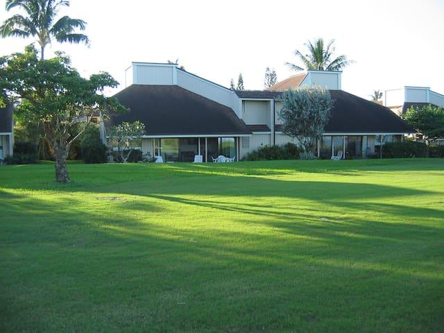 Kamahana 11B Sleeps 3 on #15 Makai Golf Course