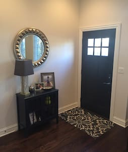 Private & Whole Floor to Yourself! - Chicago - House