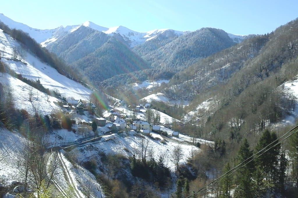 Vue du village   aux premières neiges