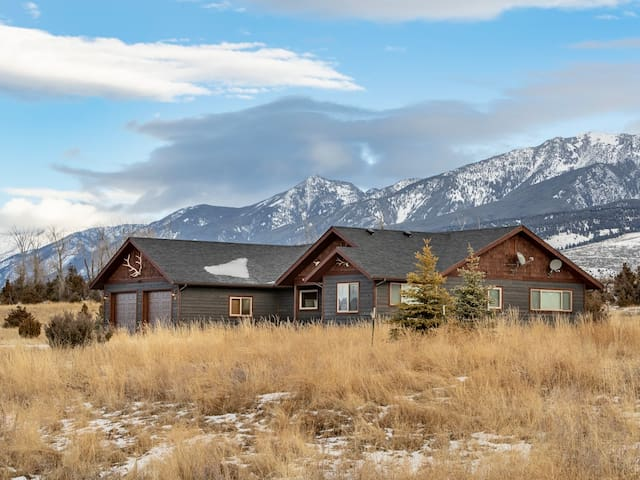 Your Mountain Sanctuary-Paradise Valley