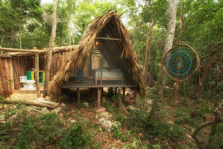 Jungle Eco Hut #6 - Mayan Coba Hut (Queen Bed)