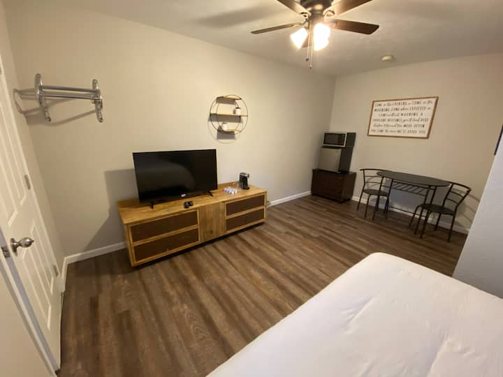 Affordable room #10 next to SDC and Billy Gail's
