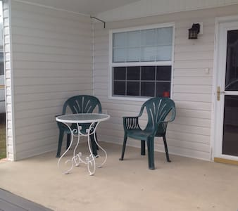 Cozy home in Lake Wales camp ground - Lake Wales