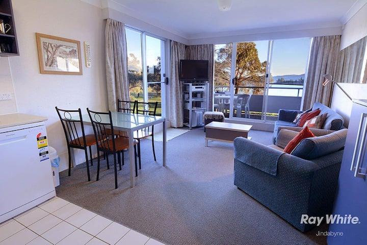 Horizons Resort 405 - Jindabyne Holiday Unit