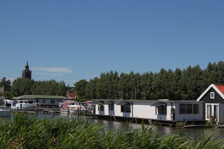Houseboat in De Rijp (close to Amsterdam)