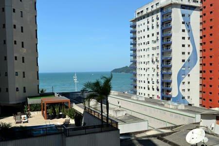 Apartamento quadra do mar (rua 3604) - Balneário Camboriú