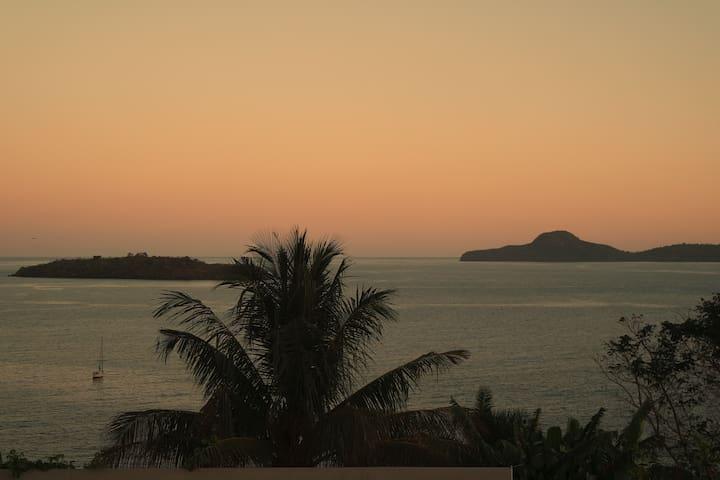 La maison de vacances avec piscine - Bandrele - Casa