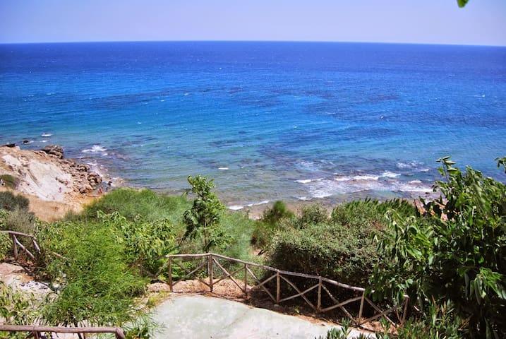 Villa con giardino vista mare, Capo Rizzuto - Fratte I - Villa