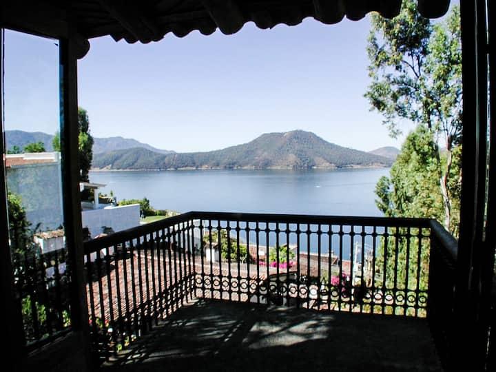 Tranquillité avec fantastique vue sur le lac