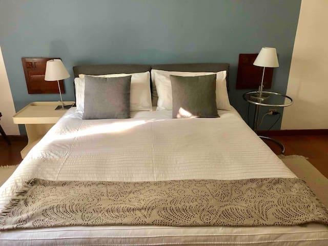 Mettere Copripiumino Da Soli.Airbnb Milano Vacation Rentals Places To Stay Lombardia