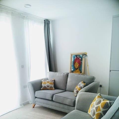 Cozy apartment close to East Croydon station