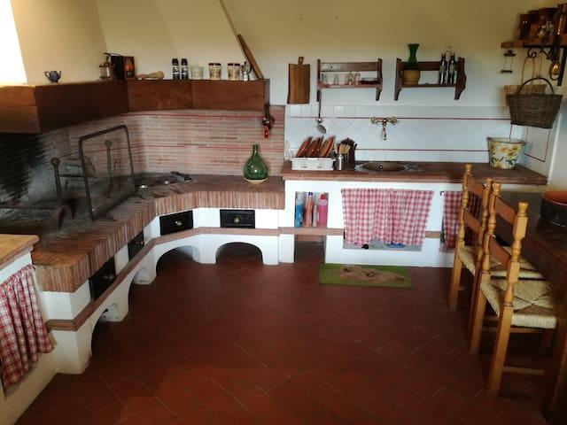 Casa colonica a Lucca