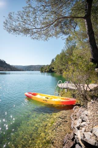villa avec accès privée au Lac Esparron de Verdon
